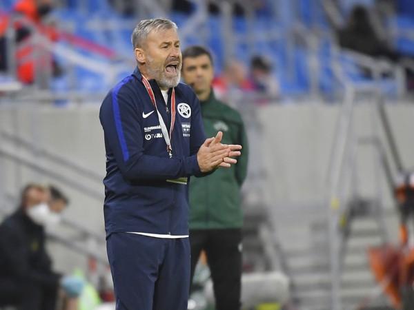Pavel Hapal na lavičke Slovenska