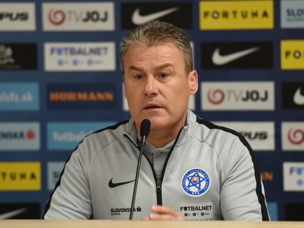 Tréner slovenskej futbalovej reprezentácie Pavel Hapal na tlačovej konferencii pred prvými zápasmi kvalifikácie na Majstrovstvá Európy 2020