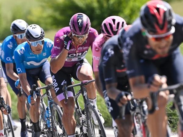 Peter Sagan počas etapy na Giro d'Italia