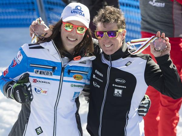 Na snímke slovenská lyžiarka Petra Vlhová (vľavo) a jej taliansky tréner Livio Magoni