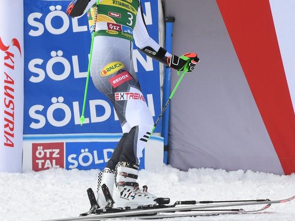 Na snímke slovenská lyžiarka Petra Vlhová po druhom kole obrovského slalomu žien