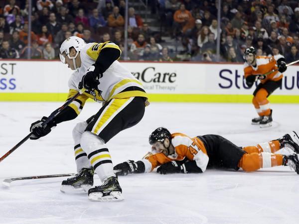 Hráči Philadelphie podľahli tučniakom z Pittsburghu