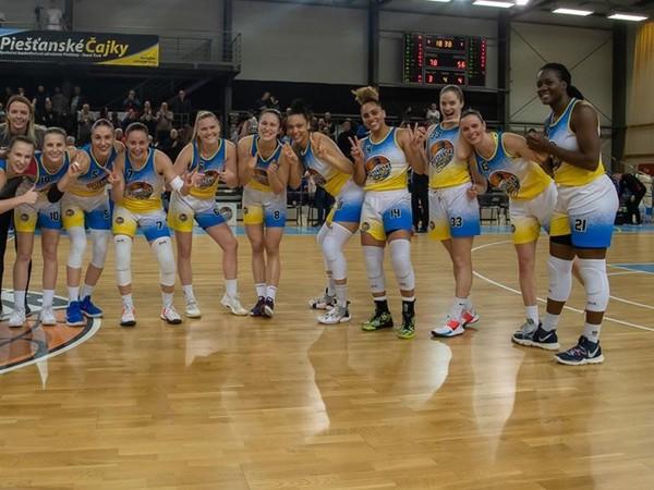 Ženský basketbalový tím Piešťanské Čajky