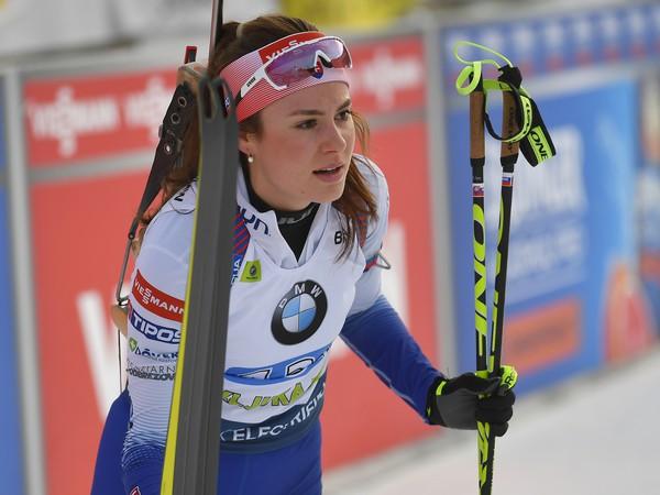 Slovenská reprezentantka Veronika Machyniaková v cieli súťaze v miešanej štafete štvoríc
