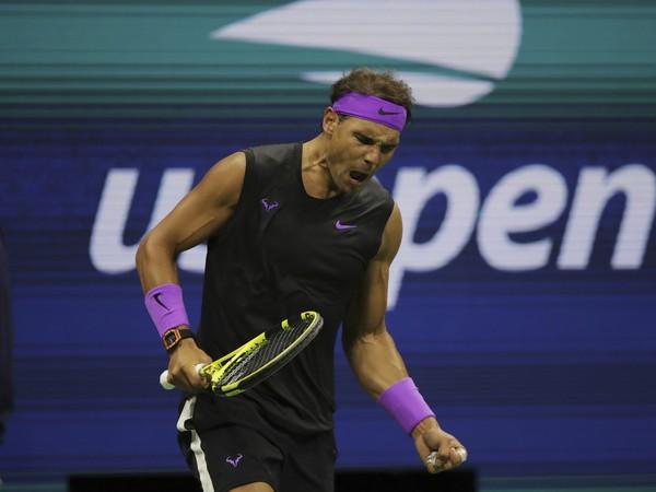 Rafael Nadal zo Španielska reaguje po víťazstve v prvom sete