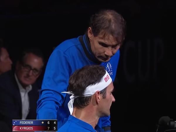 Roger Federer a Rafael Nadal počas Laver Cupu 2019