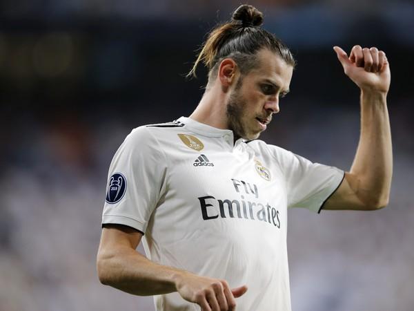 Futbalista Realu Madrid Gareth Bale reaguje v zápase 1. kola G-skupiny Ligy majstrov Real Madrid - AS Rím