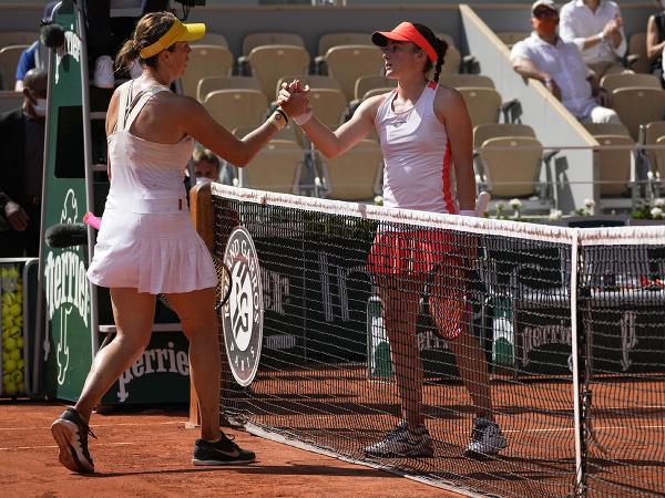 Ruská tenistka Anastasia Pavľučenkovová sa stala prvou finalistkou ženskej dvojhry na grandslamovom turnaji Roland Garros.