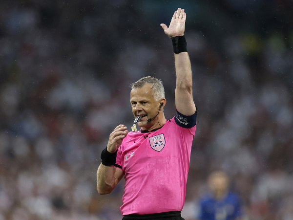 Futbalový rozhodca Björn Kuipers