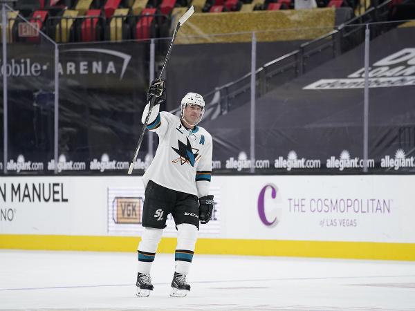 Patrick Marleau reaguje na prekonanie rekordu Gordieho Howea za počet odohratých zápasov v NHL