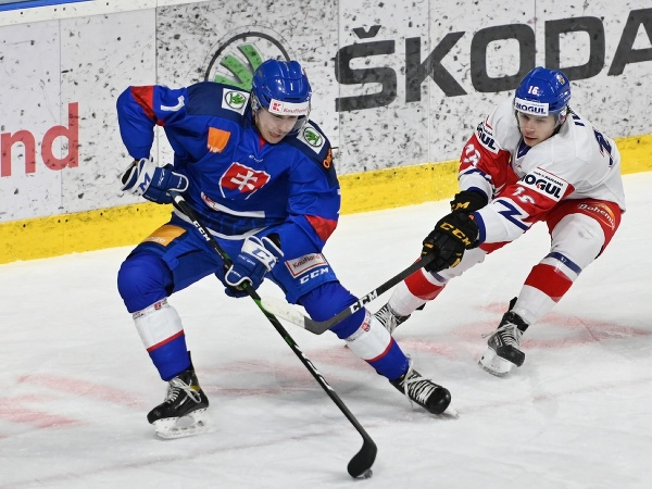 Pictured from left are Slovakian player Rayen Petrovický and Czech player Ivan Ivan during the friendly match SR20 - ČR20 in Piešťany