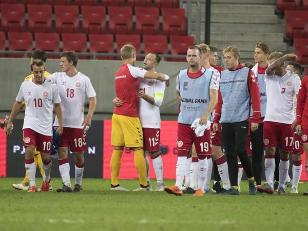 Dánski futbalisti po prehre 0:3 so Slovenskom