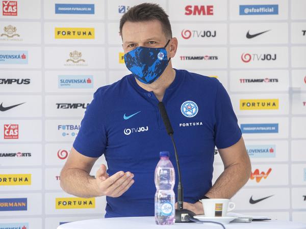 Tréner slovenských futbalových reprezentantov Štefan Tarkovič