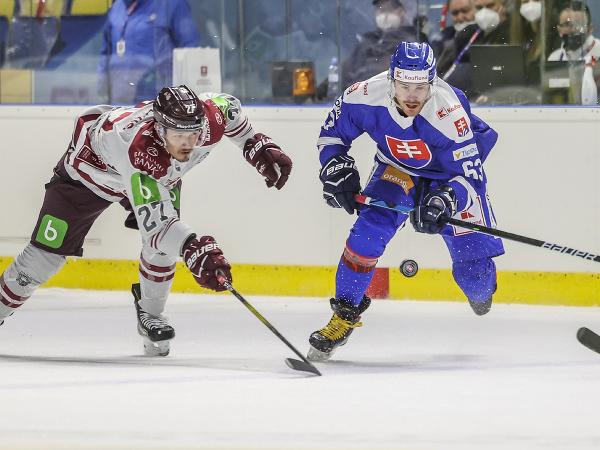 Na snímke zľava Oskars Cibulskis (Lotyšsko) a Patrik Lamper (SR)
