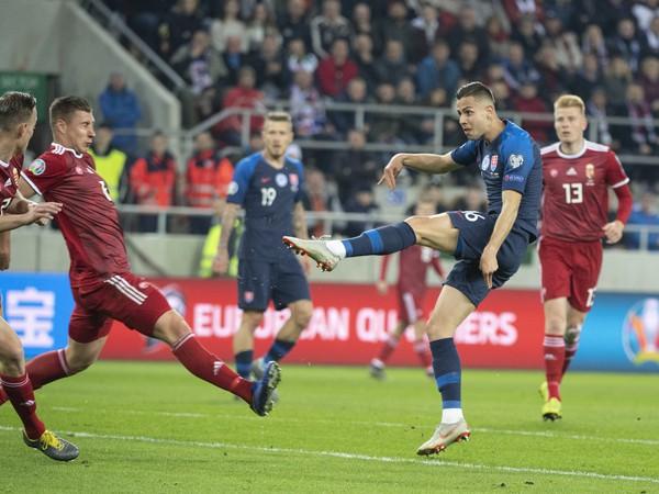 Momentka zo zápasu E-skupiny kvalifikácie EURO 2020 Slovensko - Maďarsko