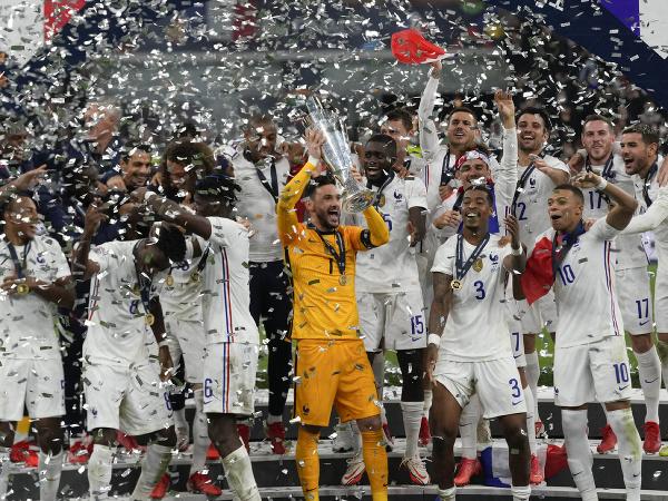 Oslavy hráčov Francúzska po triumfe v Lige národov