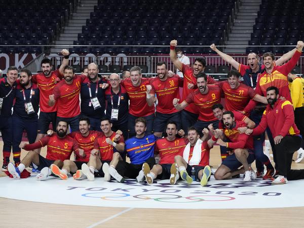 Španielski hráči oslavujú po výhre nad Egyptom v zápase o 3. miesto Egypt - Španielsko