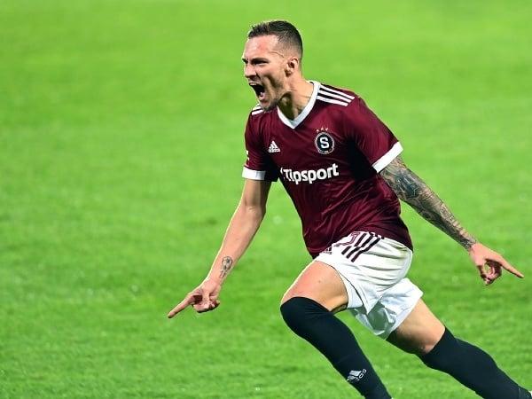 Lukáš Haraslín rozhodol české derby Sparty so Slaviou