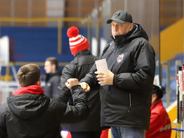 Tréner Miroslav Chudý na lavičke HC'05 Banská Bystrica