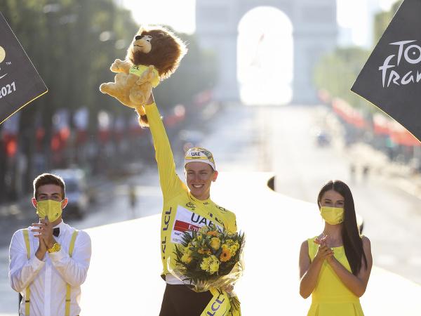 Tadej Pogačar víťazom Tour de France 2021