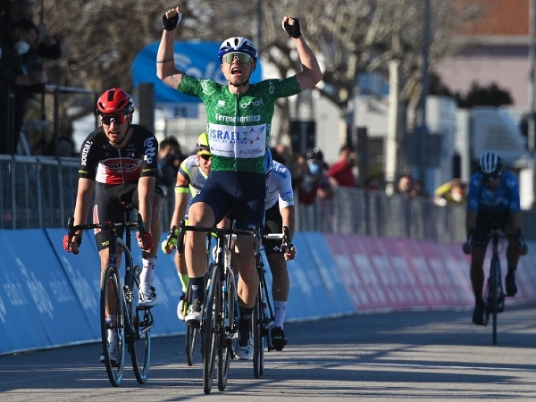Mads Würtz Schmid triumfoval v 6. etape Tirreno - Adriatico