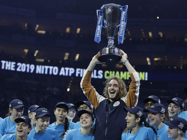 Stefanos Tsitsipas sa stal víťazom Nitto ATP Finals v Londýne