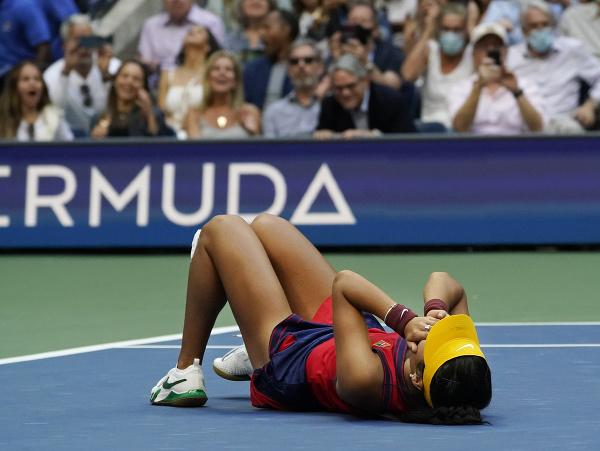 Britská tenistka Emma Raducanuová sa stala víťazkou ženskej dvojhry na grandslamovom turnaji US Open
