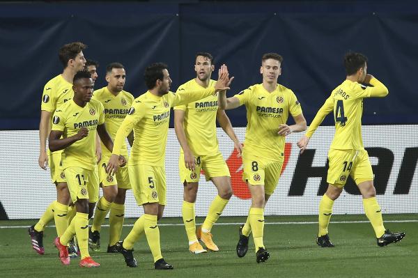 Futbalisti Villarrealu sa tešia po strelení gólu
