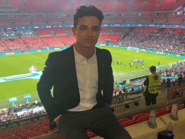 Lando Norris vo Wembley
