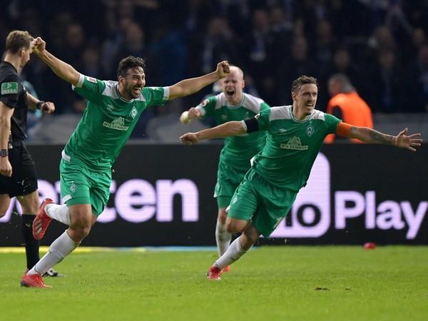 Claudio Pizarro je nesmrteľným rekordérom Bundesligy