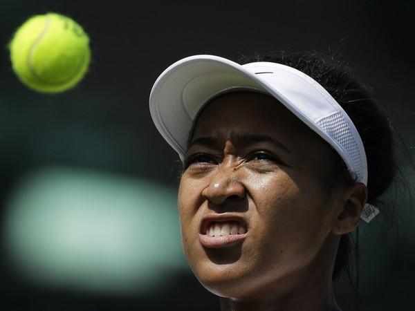 Naomi Osaková počas tréningu pred Wimbledonom
