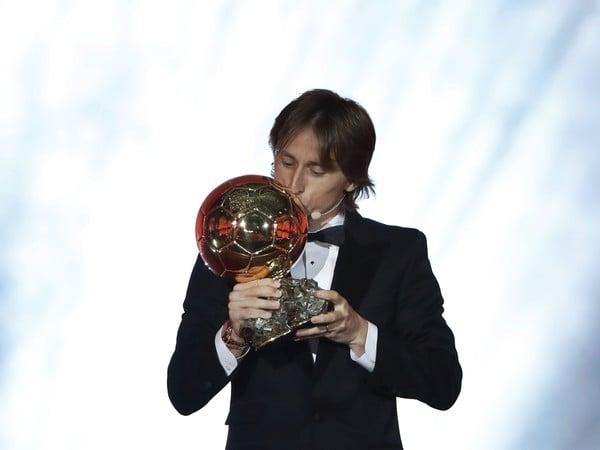 Luka Modrič so Zlatou loptou