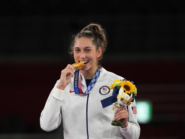 Anastasija Zoloticová so zlatou medailou