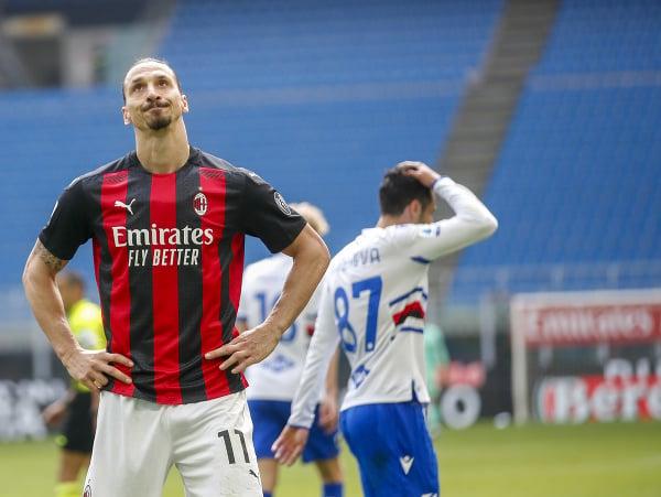 Sklamaný Zlatan Ibrahimovič po zahodenej šanci