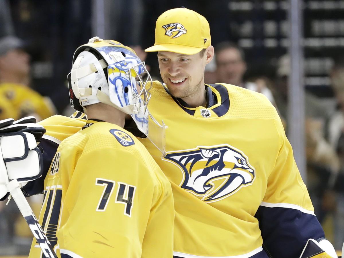 Pekka Rinne blahoželá Juusemu