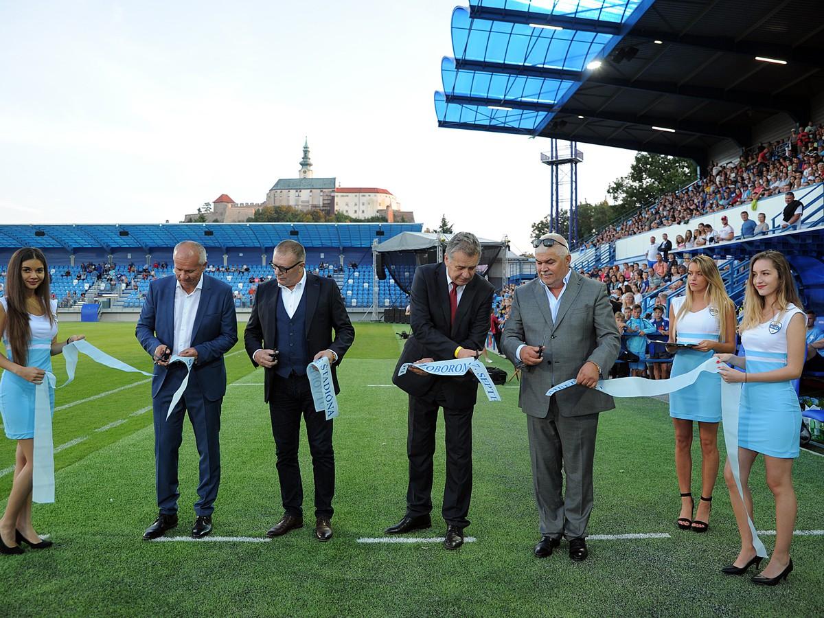164d1d7f6150b FOTO Futbalový ošiaľ na novom stánku v Nitre: Domáci odchovanec ...