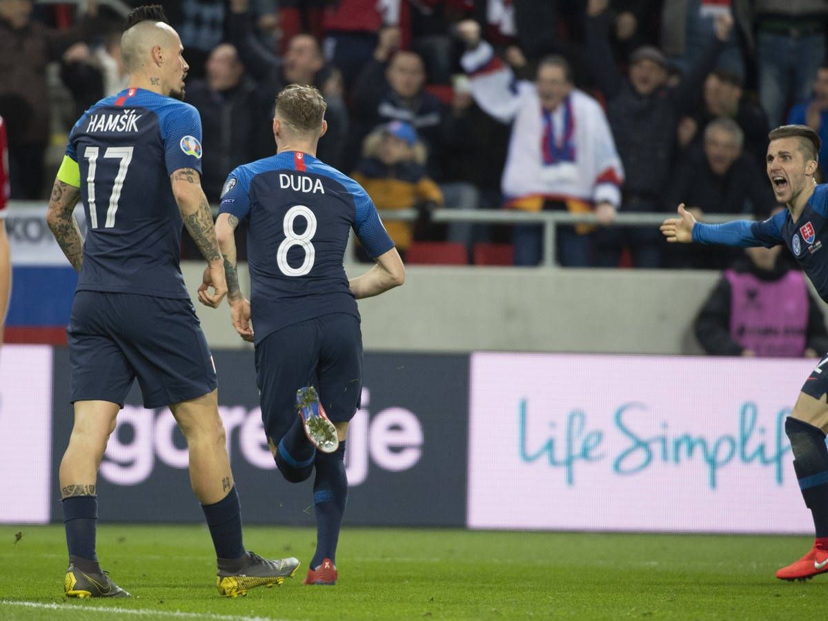 c58136b175e1f Na snímke radosť po góle zľava Marek Hamšík, strelec gólu Ondrej Duda a  Peter Pekarík
