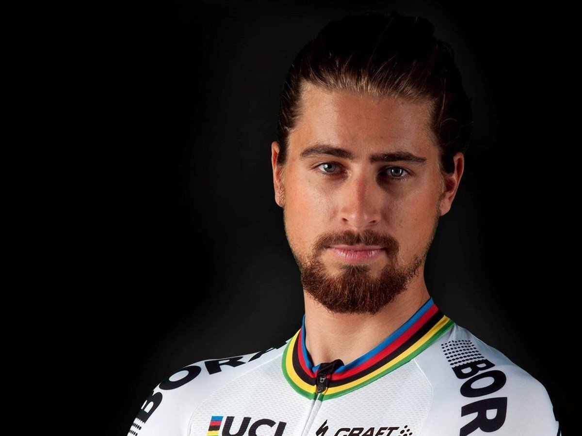 f5595111e7067 FOTO Sagana v novom drese majstra sveta: Na VIDEU už predvádzal ...