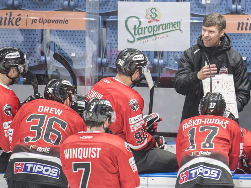 Norbert Javorčík na lavičke HC '05 Banská Bystrica