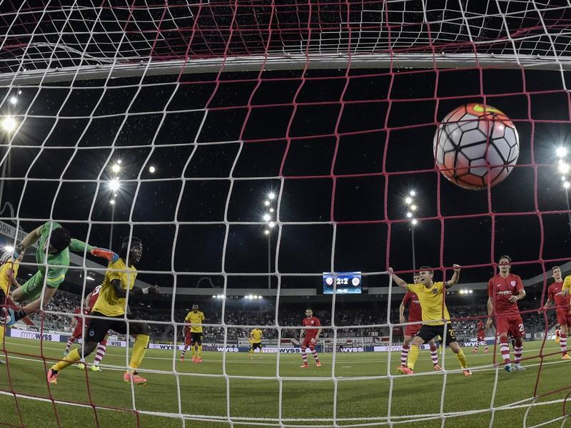Costa strieľa gól Sparty
