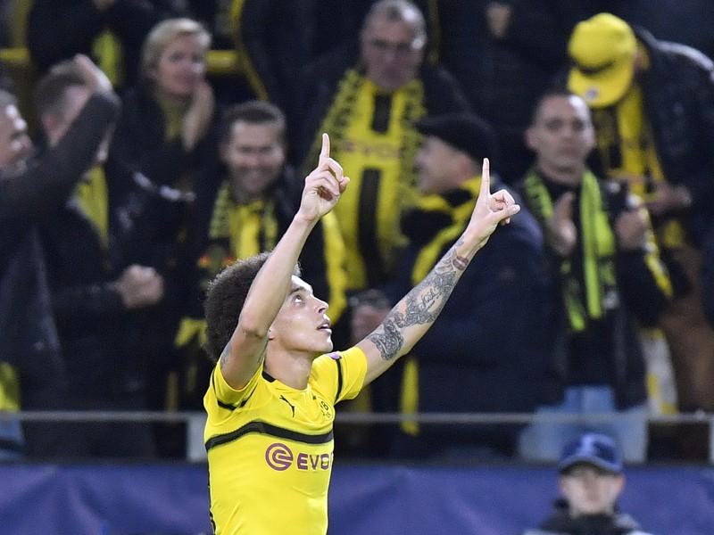 Alex Witsel oslavuje gól