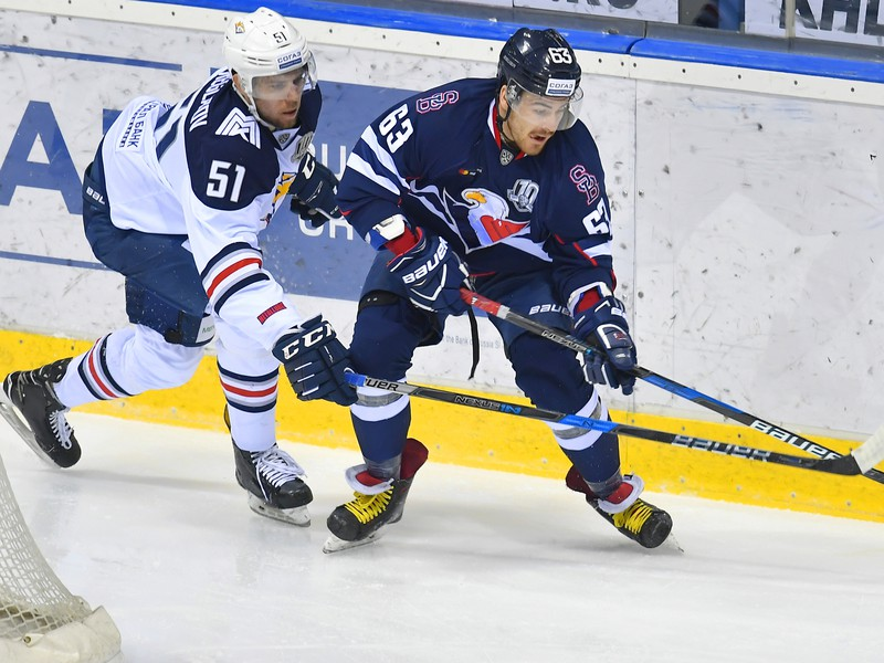 Alexej Bereglazov (vľavo)