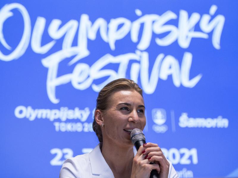 Na snímke ambasádorka Olympijského festivalu Anastasia Kuzminová