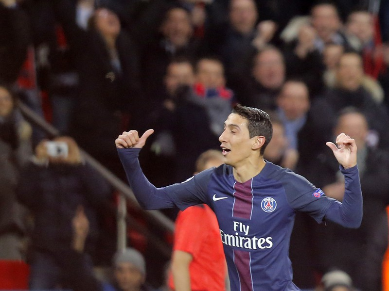 Ángel Di María oslavuje gól do siete Barcelony