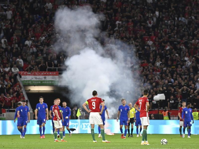 Vyčíňanie maďarských fanúšikov