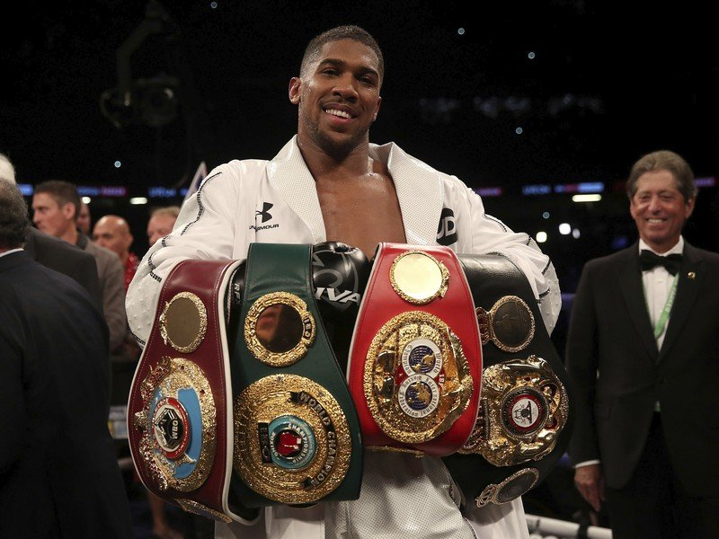 Anthony Joshua s opaskami