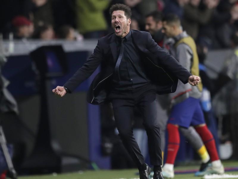 Na snímke tréner Atletica Diego Simeone oslavuje gól Atlética