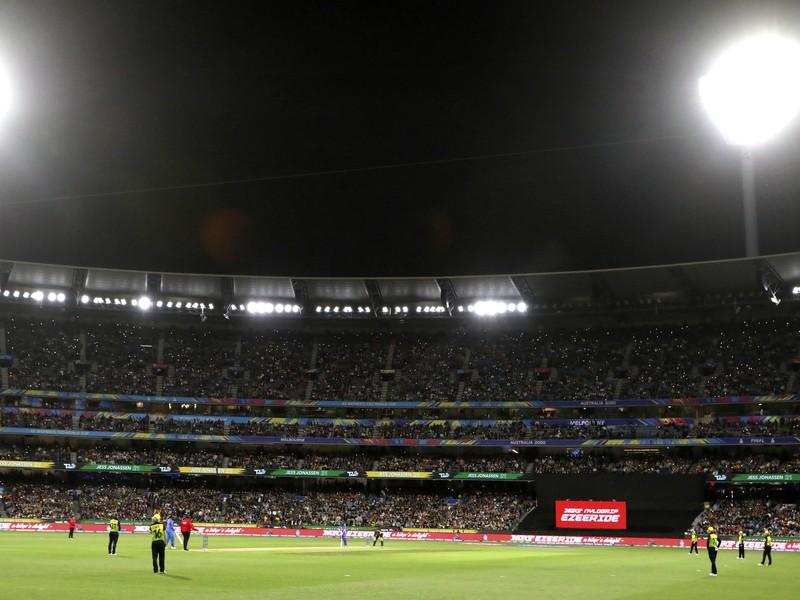 A-League v Austrálii bola tiež prerušená