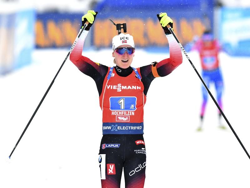 Marte Olsbuová Röiselandová a jej víťazná radosť v cieli