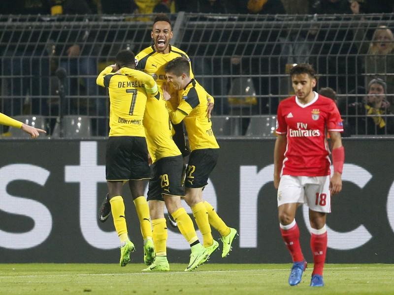 Pierre-Emerick Aubameyang oslavuje gól